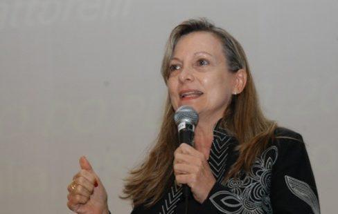 Portal do IHU traz entrevista especial com Maria Lucia Fattorelli, sobre o Orçamento 2013
