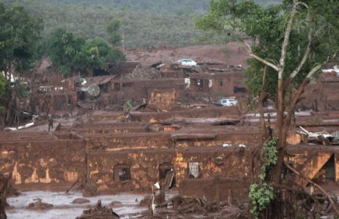 Terrorismo Ambiental e Dívida Ecológica – Maria Lucia Fattorelli