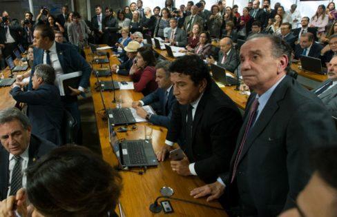 Fórum debate corte de recursos e dívida pública no Brasil