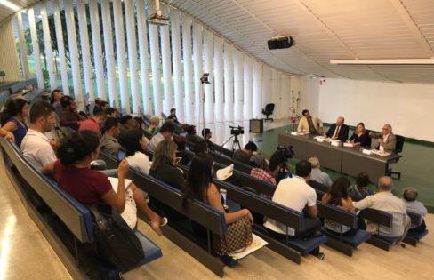 """Palestra """"Falta de Ética na Economia : Agenda do Banco Central para o Legislativo Privilégios para Bancos"""" –Seminário """"Por um Brasil Ético"""" – Brasília"""