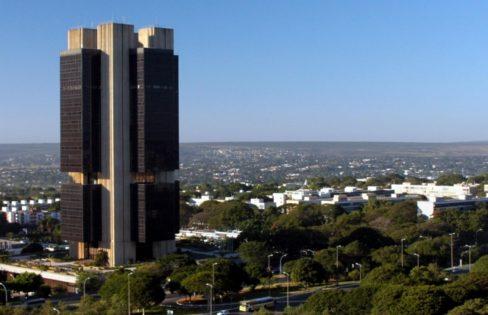 """O Banco Central está """"suicidando"""" o Brasil – Maria Lucia Fattorelli"""