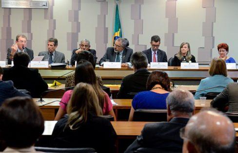 CDH debate efeitos da PEC que limita os gastos públicos