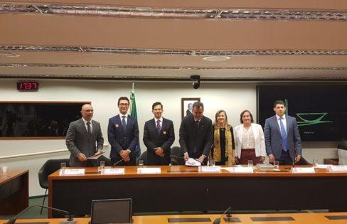 Especialistas apontam ilegalidades e imoralidades do projeto de securitização da dívida