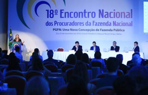 Fattorelli fala sobre os riscos do PLP 459 durante encontro nacional de Procuradores da Fazenda Nacional