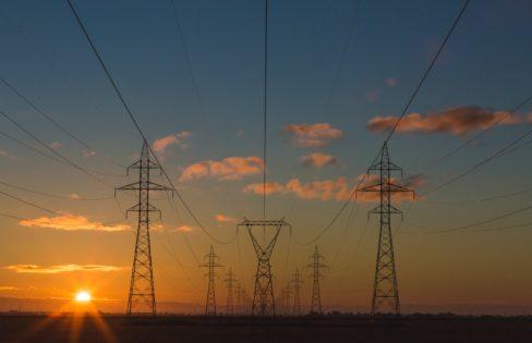 """Palestra: """"O Sistema da Dívida: entenda como você é roubado"""", ML Fattorelli – Plenária Nacional da Frente por uma nova Política Energética para o Brasil"""