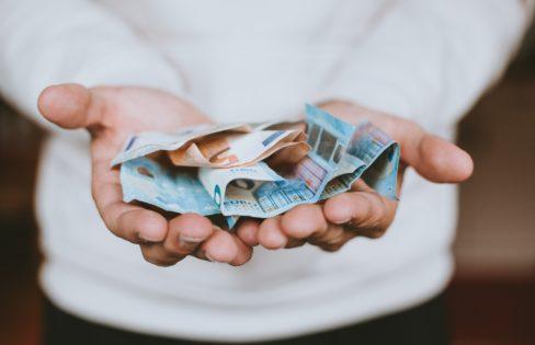 """""""A Previdência e o Sistema da Dívida"""": M.L Fattorelli – Seminário Viver Mulher"""
