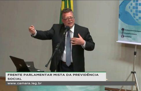 """Reforma da Previdência: """"O objetivo é acabar com o pacto social de 1988"""", afirma Fagnani"""