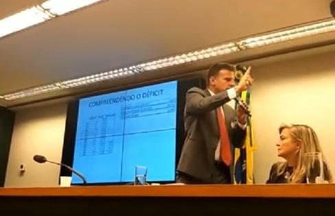 """Palestra: """"Reforma da Previdência e o sistema da dívida"""", M.L Fattorelli,  Câmara dos Deputados"""