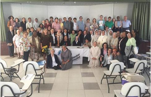 """Palestra: """"Reforma da Previdência"""", M.L.Fattorelli, Religiosas – Curitiba"""