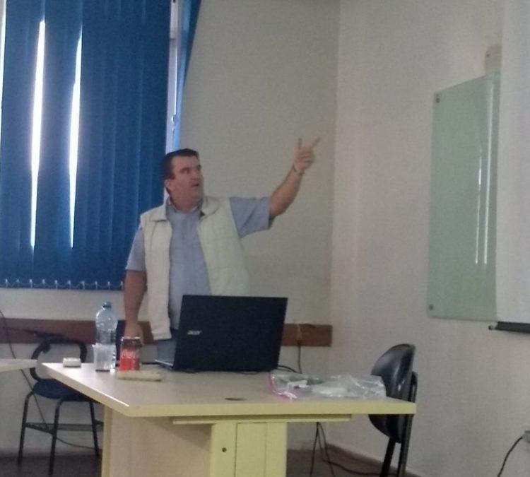 Integrante do Núcleo Catarinense defende TCC sobre o tema da Dívida Pública no campo da educação