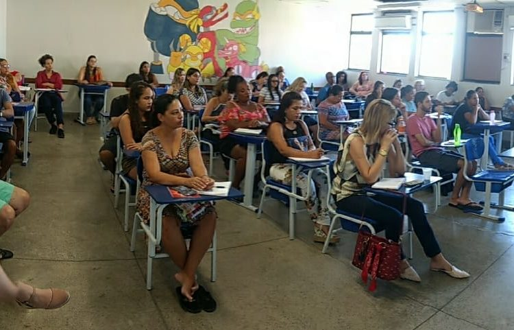 Coordenadora do Núcleo Capixaba dá aula sobre Dívida Pública no IFES