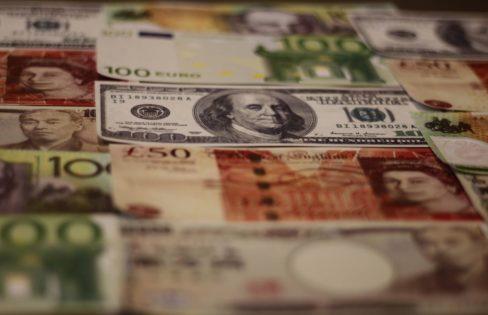 Para que tem servido a dívida pública no Brasil?